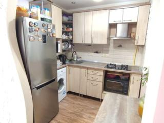 Spre vinzare apartament cu 2 camere + garaj la Super Pret
