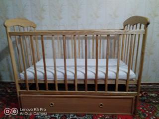 """Продаётся детская кроватка с маятником и ящиком """"Наталка"""""""