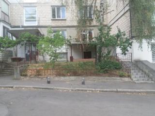 Телецентр, 3-комн, 73 м2, вход с улицы, жилое состояние! Недорого!