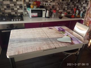 Очень красивый стол 3600р.