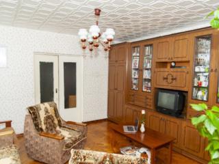 4-х комнатная. Рышкановка. 100 кв. м. 1-ый этаж. 3 балкона.
