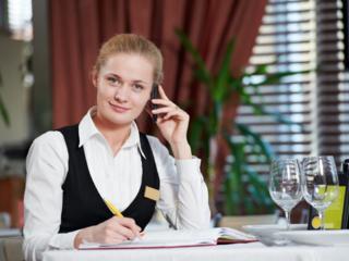 Менеджер службы доставки ресторана