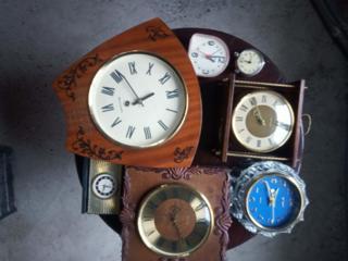 Продам механические часы СССР. статуэтки гобелены ГДР