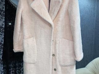 Новое натуральное шикарное пальто 46 размера