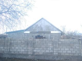 Недорогой фасад. Отделка стен заборов цоколей.