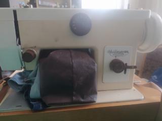 Швейная машина Чайка 134 с чехлом