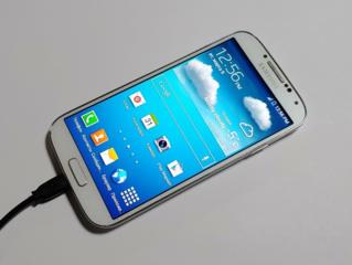 Samsung Galaxy S4(CDMA) - 1400 руб. (Тестирован в IDC).