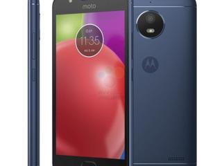 Продаю телефон CDMA /CSM Moto E4.