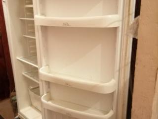 Срочно продаются холодильник. Белого цвета. В рабочем состоянии. Один большой