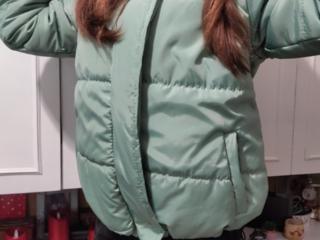 Продам НОВУЮ демисезонную куртку
