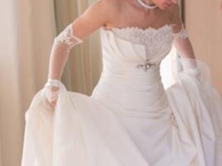 Свадебное платье не венчанное 3200р