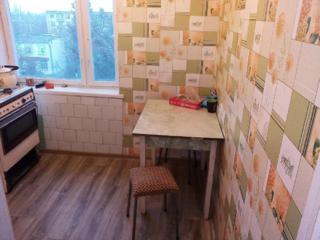 Сдам хорошую квартиру с мебелью 1400 руб и услуги