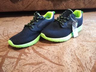 Продам новые кроссовки из Германии