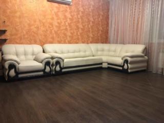 Ремонт и перетяжка мягкой мебели. Реставрация.
