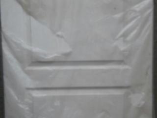 Дверное полотно 80см новое, плинтус, костыли, домкрат