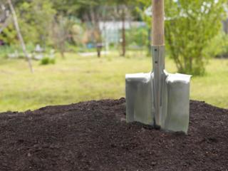 Работы в огороде, Расчистка территории, Копка и другие работы.