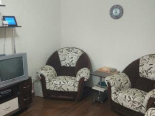 Продается 2-комнатная квартира с ремонтом на Кировском 2/5