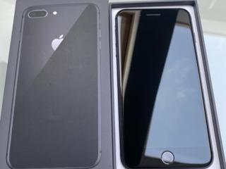 Продаётся Айфон 8 plus