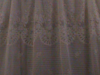 Тюль белый с набитыми цветами б\у 6м 50см 450 руб. Торг уместен