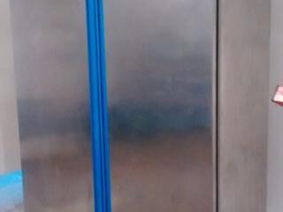 Холодильный шкаф из нержавейки на 1500 л обьём Италия.