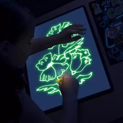 Детский интерактивный набор для рисования в темноте Волшебный луч