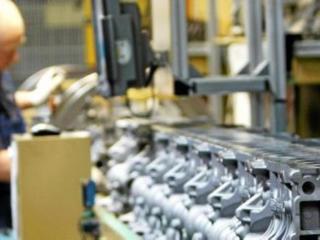 Lucru în Germania. Uzină de fabricarea pieselor auto.
