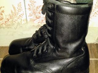 Армейские ботинки 42 размер.