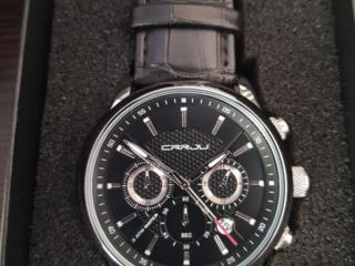 Ceas de mână pentru bărbați. Un cadou perfect pentru bărbați