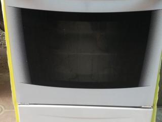 Плита газовая GEFEST 4-конфорочная, в отличном состоянии.