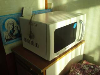 Микроволновая печь Самсунг в хорошем состоянии