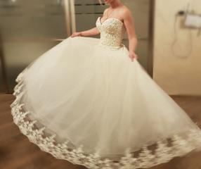Продаю свадебные платья