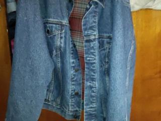 Продаю джинсовую куртку Levi's