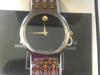 Продам новые Часы Movado