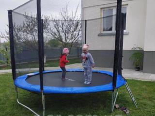 Trambulina cu diametrul 2,44m-cadou perfect p/u copii! Visul fiecărui