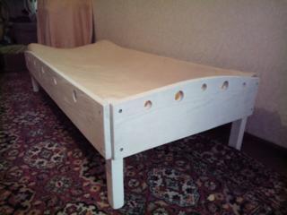 Продам Кроватку+шуфлятку под кроватку на калёсиках455руб, Диван СРОЧНО