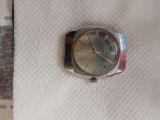 Продам часы СССР женские 1 шт и мужские СССР 2 шт. Вайбер