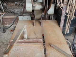 Абразивно-отрезной станок для резки металла