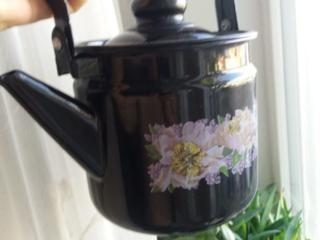 Чайник новый эмалированный.