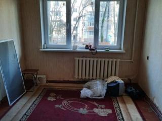 Срочно 2-х комнатная возле 5-ой поликлиники 47м2 1/5 16800 евро Торг!