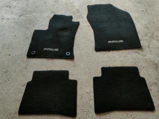 Продам комплект оригинальных ковриков на Приус 50/51 кузов