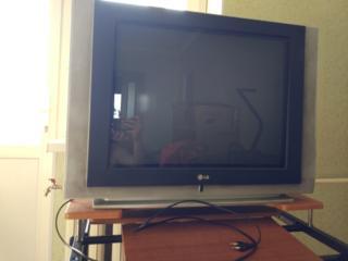 Отдам телевизор на запчасти - 100 лей