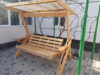 Качели садовые из натурального дерева. Доставка по Молдове.