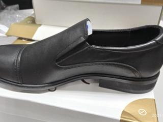 Продаются кожаные новые туфли
