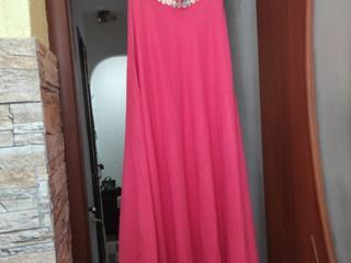 Продам красивое платье сшито на заказ