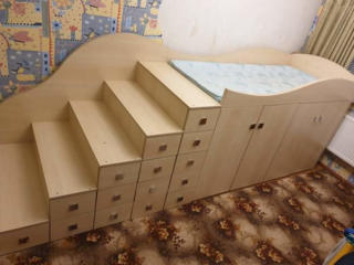 Pat copil cu sertare și garderoba