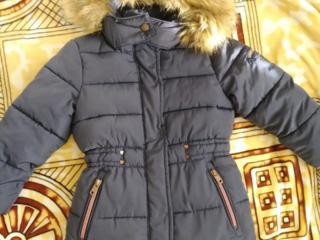 Зимняя куртка на девочку 3-4 года
