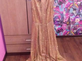 Продам платья!!!