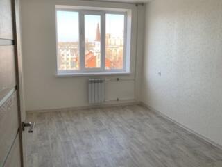 """Продается 3-комнатная р-он """"Заря"""" в евроремонте 77кв. м. 7/9эт. 37500$"""