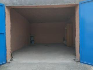 Продам капитальный гараж Рыбница. Хороший подъезд отличное состояние.
