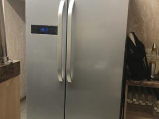 Продаётся холодильник фирмы HOTPOINT ARISTON SXBHAE 920